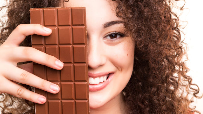 Mujer y chocolate